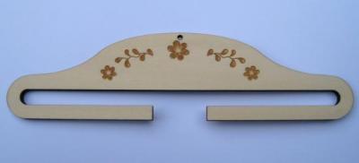 Cintre Bois Gravé Guirlande de Fleurs 10 cm CL00410
