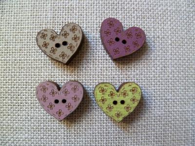 Lot de 4 boutons coeurs fleurs 01