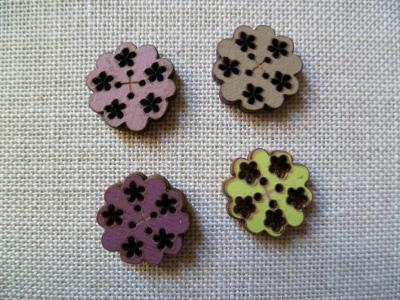 Lot de 4 boutons fleurs 01
