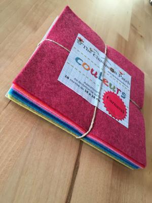 Assortiment de feutrine de laine 12 carrés de 15 x 15 cm CARNAVAL