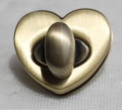 Fermeture Coeur Laiton pour Cartonnage ou Couture