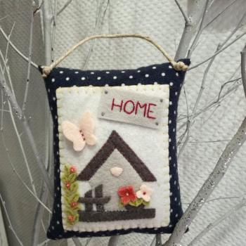 Kit coussin de porte nichoir fleuri carrement piquee 1