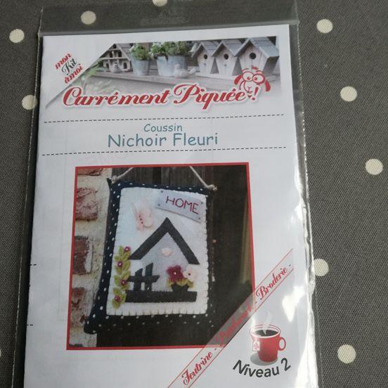 Kit coussin de porte nichoir fleuri carrement piquee 2