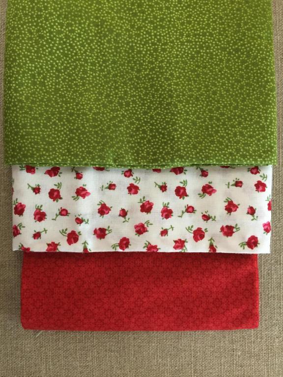 Lot de 3 Coupons de Tissus Roses Rouges 45x55cm