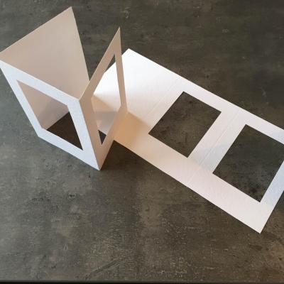 Carte à broder Blanche Gaufrée Double Fenêtre Rectangulaire