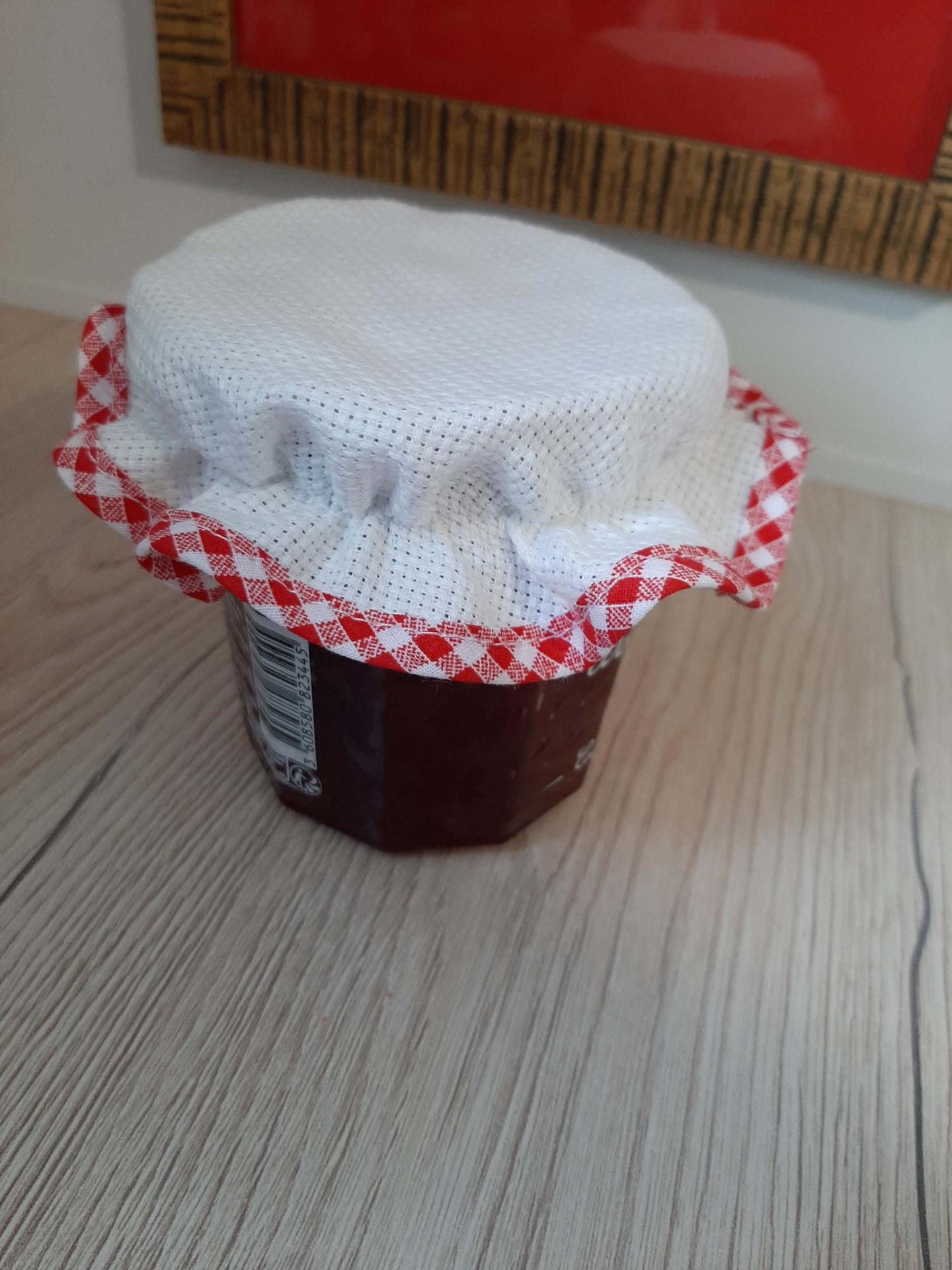 Chapeau de pot confiture a broder aida vichy rouge 1