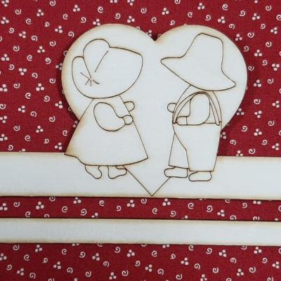 Cintre en bois 20cm Couple Sunbonnet