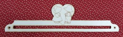Cintre en bois 30cm Couple Sunbonnet