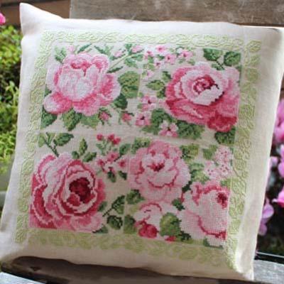 Delightful pink Roses 'Carré de Roses' Lesley Teare