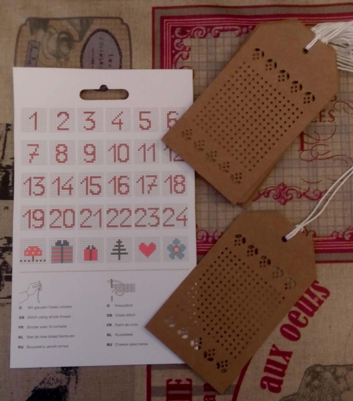 Etiquettes cadeaux a broder 2