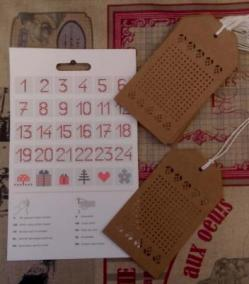 Etiquettes cadeaux a broder 4