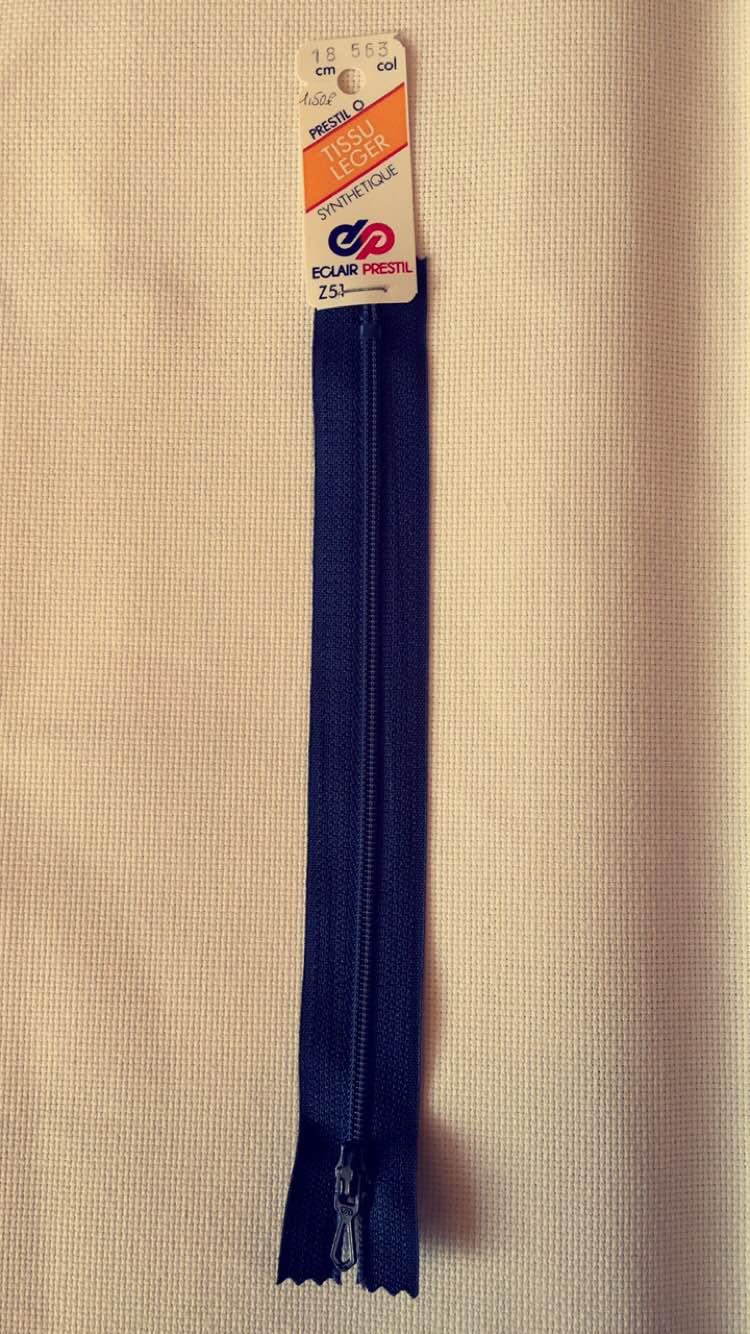 Fermeture eclair bleu marine 18cm