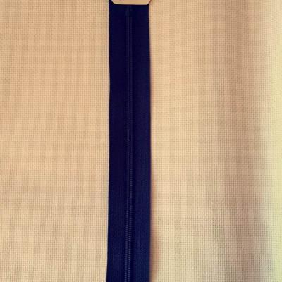 Fermeture eclair bleu marine