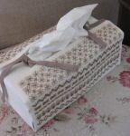 La boîte à mouchoirs N° 975 Au Fil de Martine