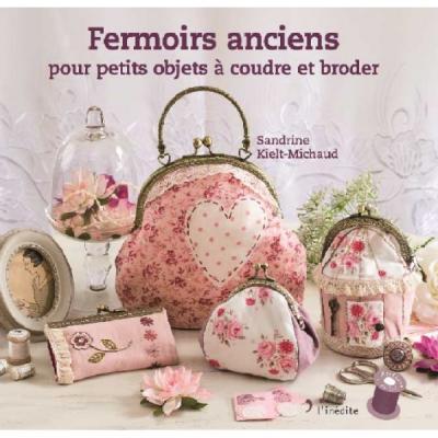 Fermoirs anciens pour petits objets à coudre et broder
