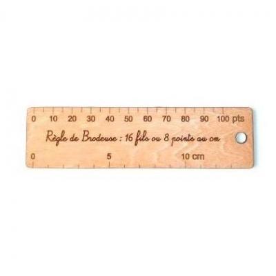 Règle de Brodeuse : 16 fils, 8 points au cm