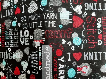 Tissu patchwork bernatex all you knit is love 1
